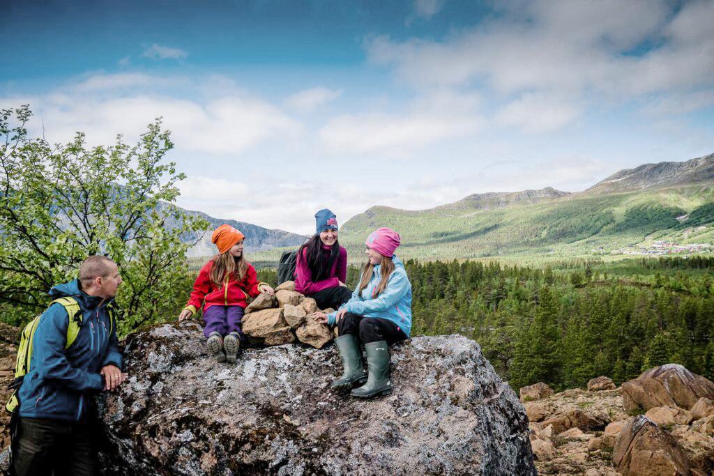 Fjällvandra med familjen i Gränssjöarna